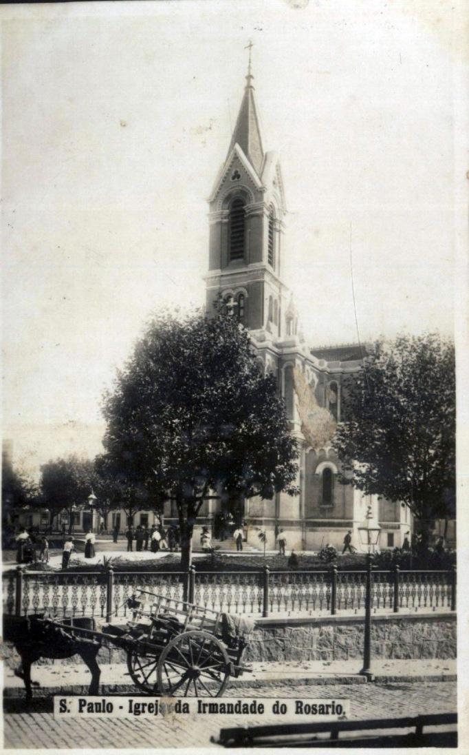 A Igreja do Rosário já no Largo do Paiçandu, em do início da década de 1910.